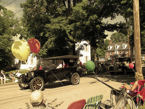 Photograph - An Automobile From Yesteryear by Anne Cameron Cutri