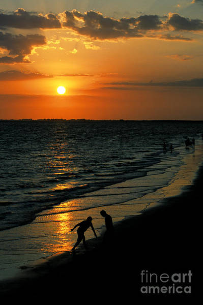 Photograph - Another Gulf Of Mexico Sunset At Fort Myers Beach by William Kuta