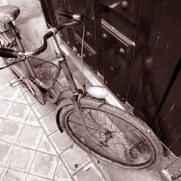 Photograph - Antique Bicycle 2c by Andrew Fare