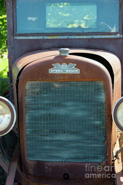 Photograph - Antique Reo Speed Wagon Grille by Les Palenik