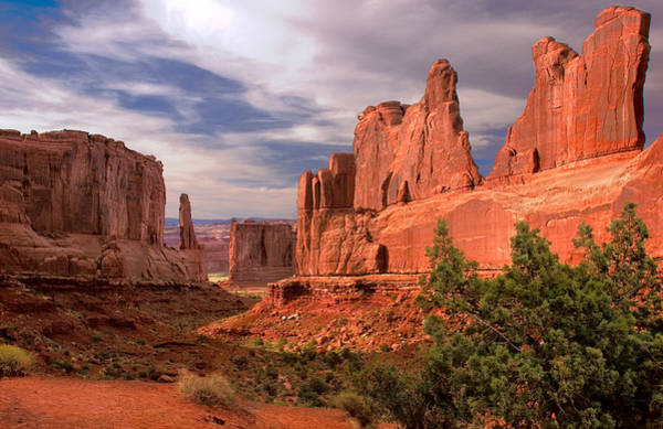 Monument Valley Photograph - Arches National Monument by Dave Dilli