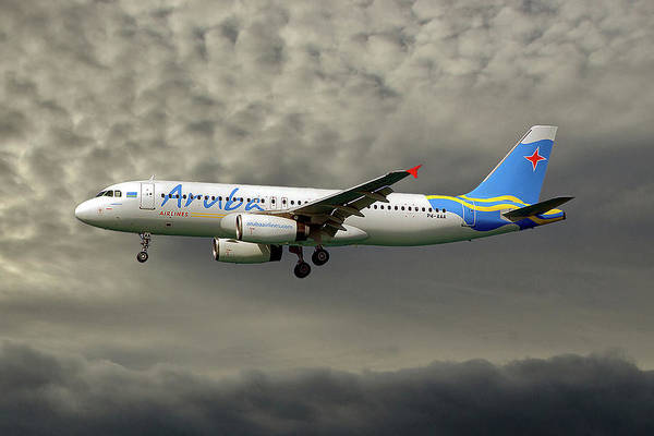 Wall Art - Photograph - Aruba Airlines Airbus A320-232 116 by Smart Aviation
