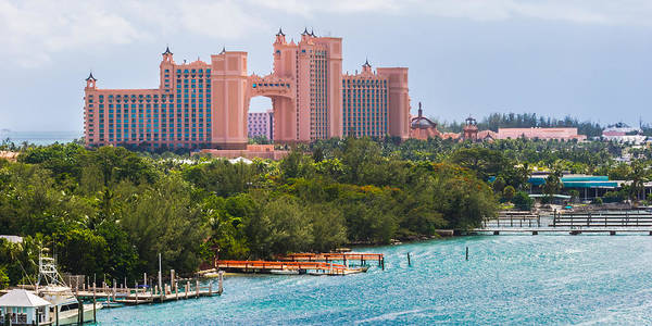 Photograph - Atlantis In Paradise by Ed Gleichman