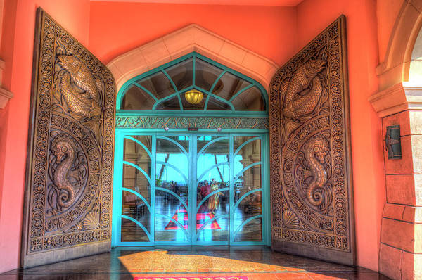 Wall Art - Photograph - Atlantis Palm Hotel Dubai Entrance by David Pyatt