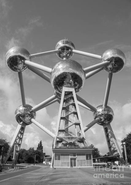Photograph - Atomium by Juli Scalzi