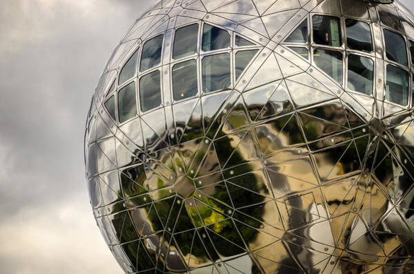 Photograph - Atomium by Pablo Lopez