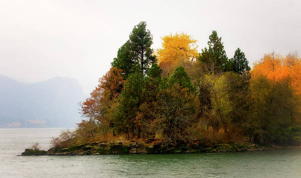 Photograph - Autumn On The Columbia by Albert Seger