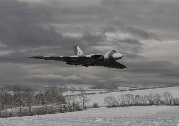 Avro Vulcan Wall Art - Photograph - Avro Vulcan - Cold War Warrior by Pat Speirs