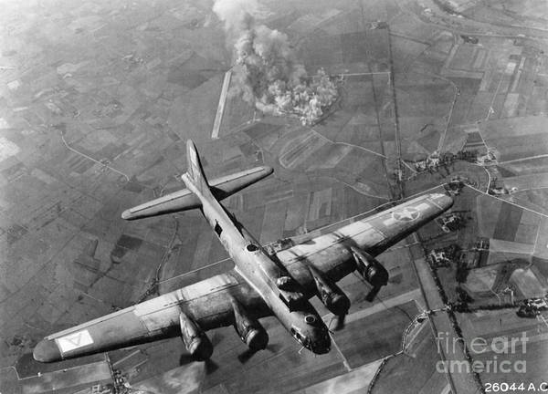 Photograph - B-17 Flying Fortress Wwii by Granger