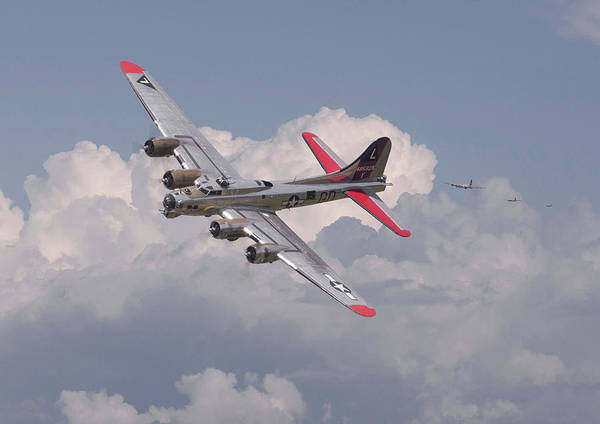 Flying Fortress Photograph - B17 - The Last Lap by Pat Speirs