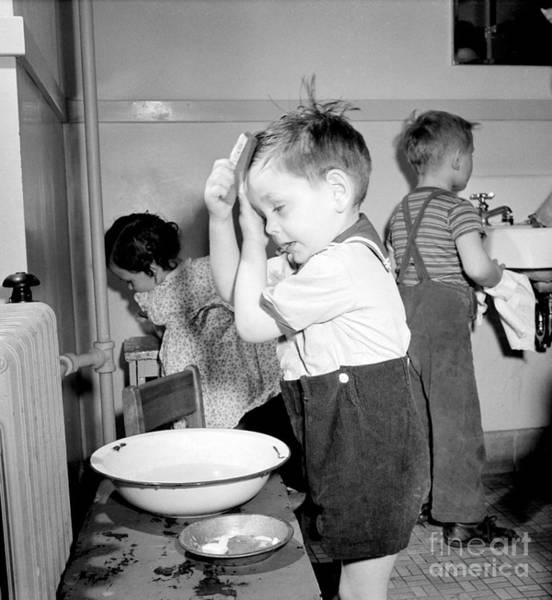 Photograph - Bad Hair Day 1943 by Science Source