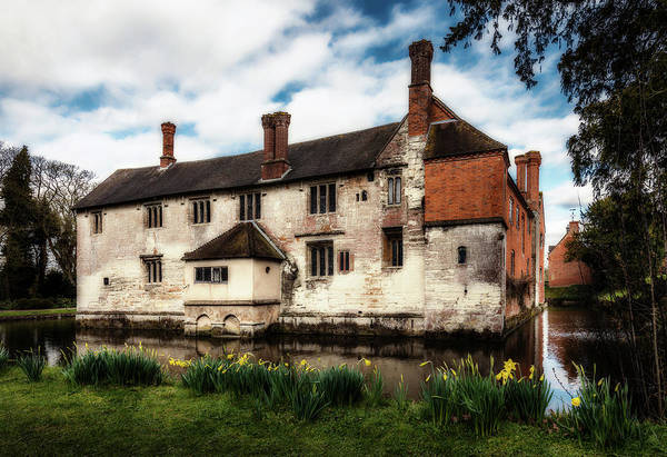 Photograph - Baddesley Clinton Manor by Nick Bywater