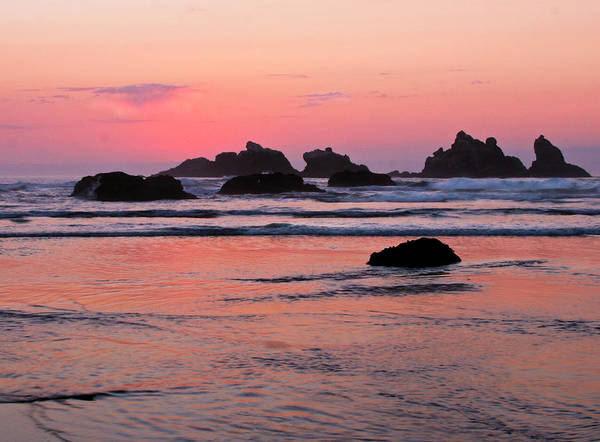 Photograph - Bandon Beach Sunset Silhouette by Jean Noren