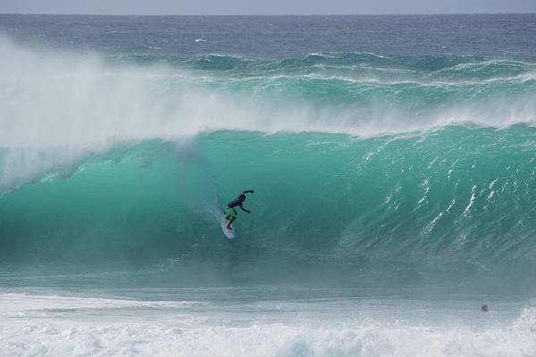 Wall Art - Photograph - Banzai Pipeline Pumping by Kevin Smith