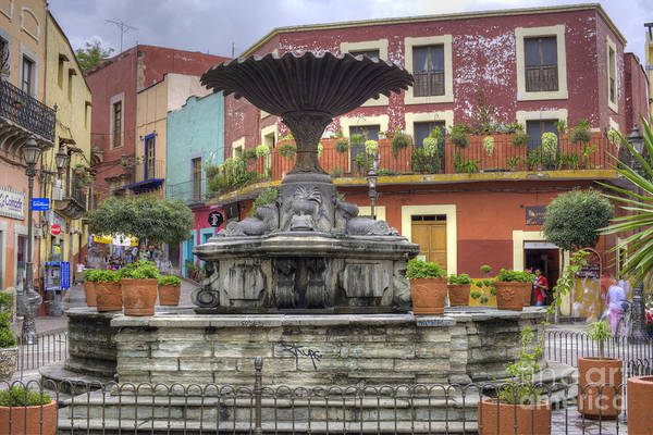 Clay Pot Photograph - Baratillo Plaza by Juli Scalzi