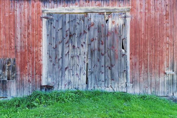 Photograph - Barn Door by Tom Singleton