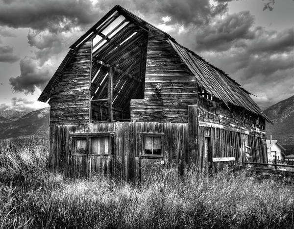 Wall Art - Photograph - Barn In Bc by Wayne Sherriff