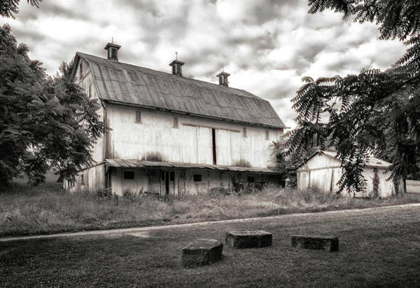 Old Barns Wall Art - Photograph - Barn In Black And White by Tom Mc Nemar