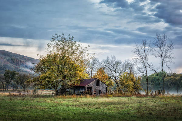 James River Photograph - Barn On A Misty Morning by James Barber