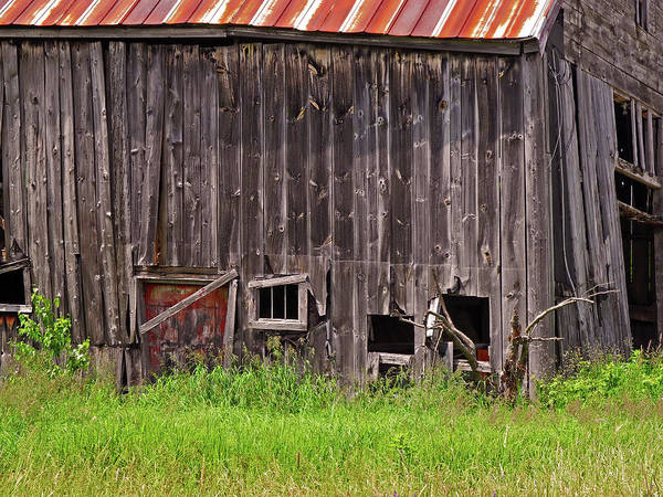 Photograph - Barnside by Lynda Lehmann