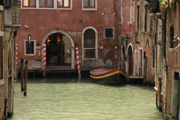Basin In Venice Art Print by Michael Henderson