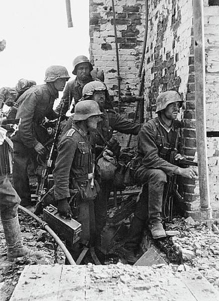 Battle Of Stalingrad  Nazi Infantry Street Fighting 1942 Art Print