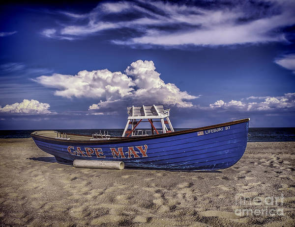 Beach And Lifeboat Art Print