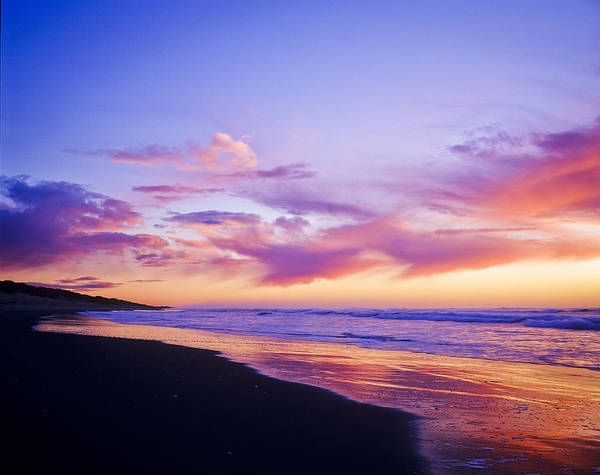 Photograph - Beach At Dusk by Robert Potts