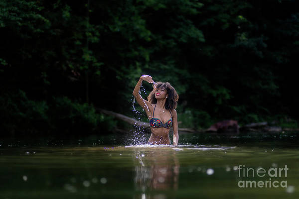 Photograph - Beauty In The Water by Dan Friend
