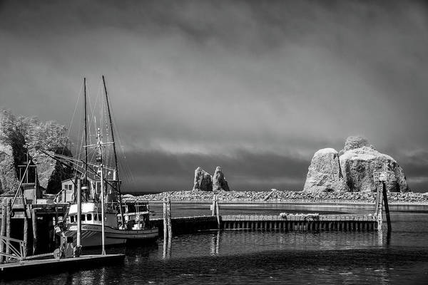 Photograph - Before The Fog Rolls In by Jon Glaser