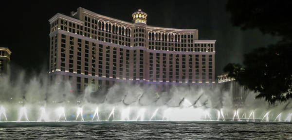 Photograph - Bellagio Fountains by Ross Henton