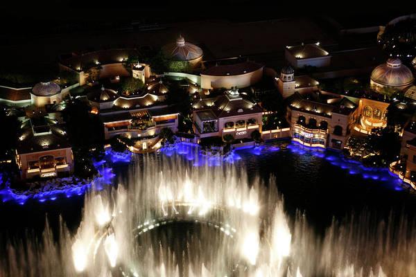 Photograph - Bellagio Hotel Fountain by Marilyn Hunt