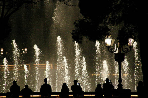 Photograph - Bellagio Water Show by Marilyn Hunt