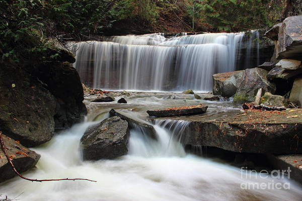 Hockley Valley Photograph - Beneath Canning Falls by Ron Clark