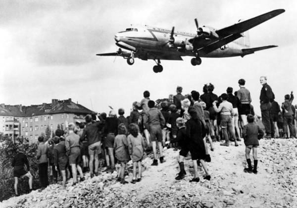 Wall Art - Photograph - Berlin Airlift Of 1948-49 Broke by Everett