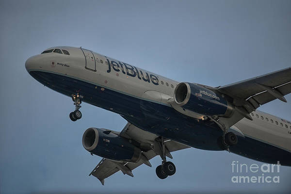 Photograph - Betty Blue On Final Approach Chs by Dale Powell