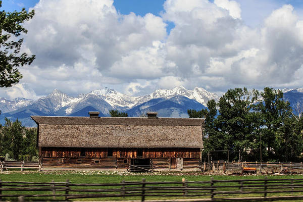Photograph - Big Barn In Salmon by Laurie Pelham