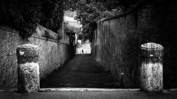 Faceless Photograph - Black And White Street Photography - Siena, Italy by Giuseppe Milo