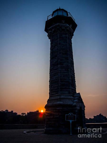 Roosevelt Island Wall Art - Photograph - Blackwell Island Lighthouse And Sun by James Aiken