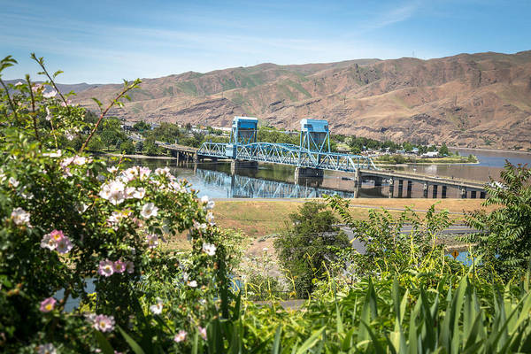 Lewiston Photograph - Blue In The Daytime by Brad Stinson