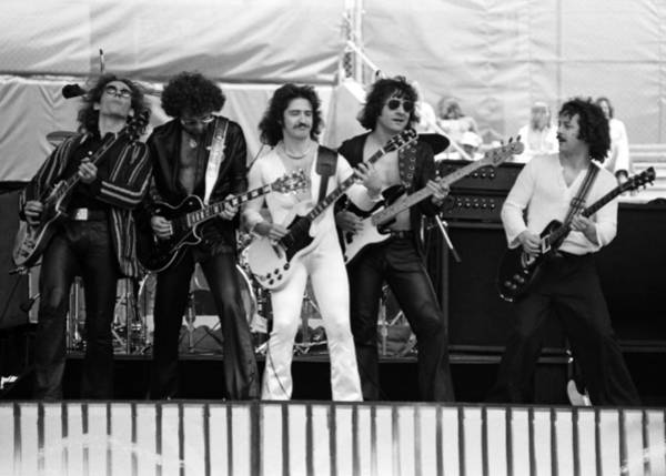 Photograph - Blue Oyster Cult by Ben Upham