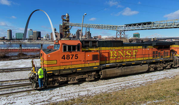 Photograph - Bnsf Locomotive In Front Of The St Louis Arch by Garry McMichael