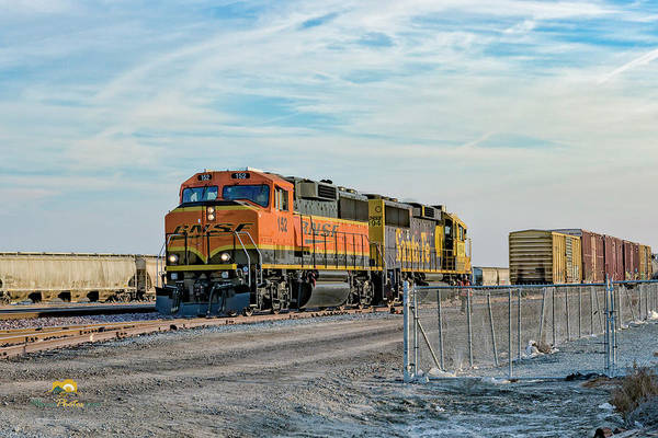 Photograph - Bnsf152 And Atsf194 1 by Jim Thompson