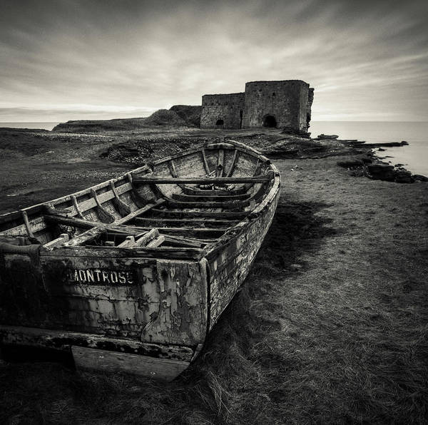Rotten Wall Art - Photograph - Boddin Point Wreck by Dave Bowman