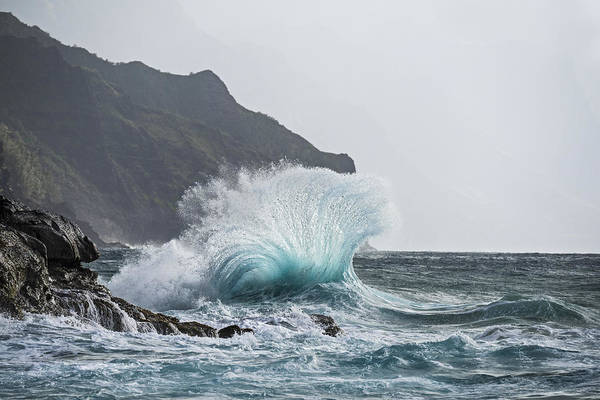 Photograph - Booming Swell by Jon Glaser