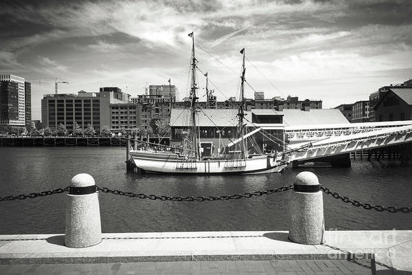 Photograph - Boston Harbor Series 4860 by Carlos Diaz