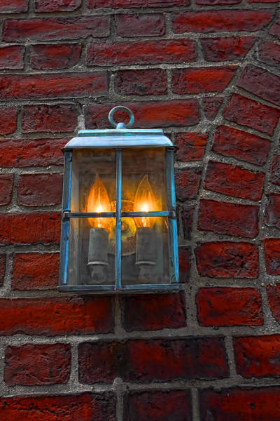 Photograph - Boston Lamp Y1 by Carlos Diaz