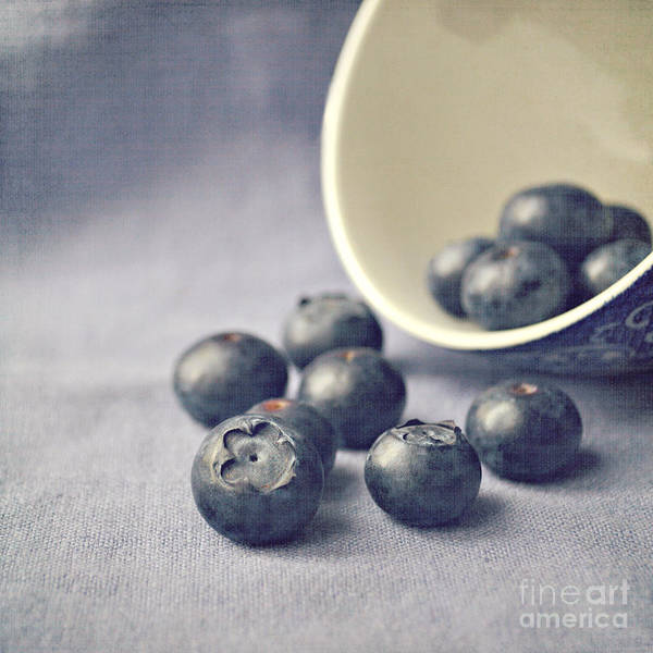 Orange Photograph - Bowl Of Blueberries by Lyn Randle