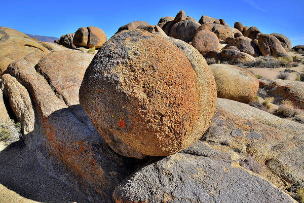 Photograph - Bowling Ball Boulder In Alabama Hills by Ray Mathis