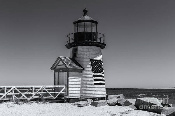 Photograph - Brant Point Lighthouse II by Clarence Holmes
